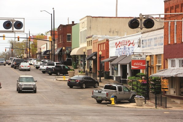 Downtown Clanton has hung onto its small-town charm. (Meg McKinney/Powergrams)