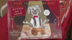 """Tony the Theatre Dog, Puttin' on a Show."" (Dennis Washington / Alabama NewsCenter)"