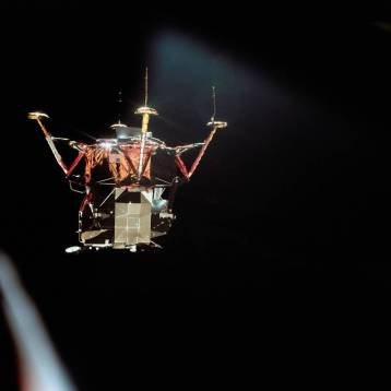 The Apollo 11 Eagle descends to the Moon's surface after undocking from the Columbia. (NASA)