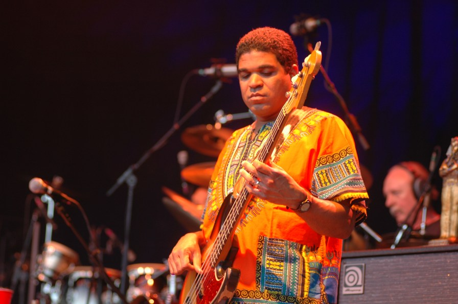 Oteil Burbridge, of the Allman Brothers Band, at Misner Park, Boca Raton, Florida. (Carl Lender, Wikipedia)