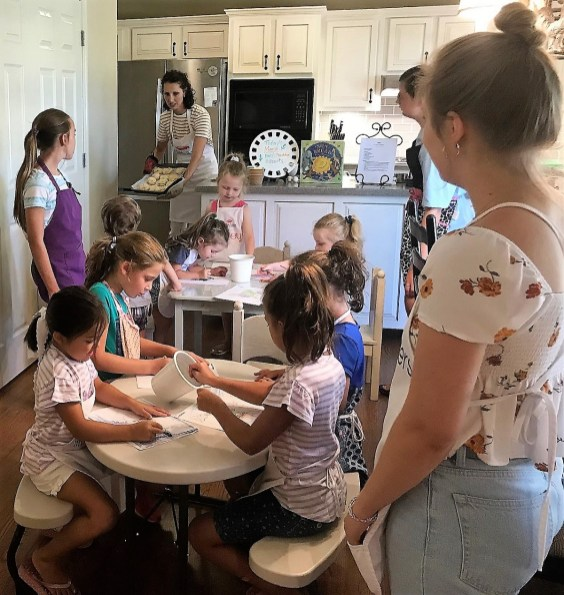 Itty Bitty Bakers offers cooking camps and classes for children in three different age groups. (Michael Tomberlin / Alabama NewsCenter)