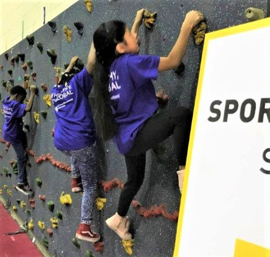 Students at Glen Iris Elementary School in Birmingham are being introduced to new sports, countries and cultures as part of a new program tied to the 2021 World Games. (Michael Tomberlin / Alabama NewsCenter)
