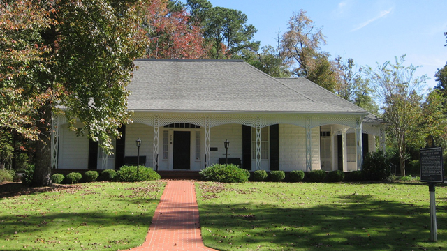 On this day in Alabama history: Auburn Women's Club marker dedicated