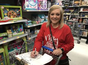 Karen White shopped for a 4-year-old from Chilton County. (Donna Cope/Alabama NewsCenter)