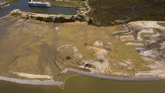 Construction continues on critical Alabama shoreline protection project