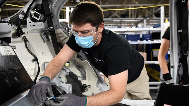 Mercedes halts production in Alabama due to Mexico parts delays