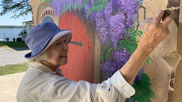 Alabama Power retiree Marrene Wilson finds joy during pandemic by painting mural
