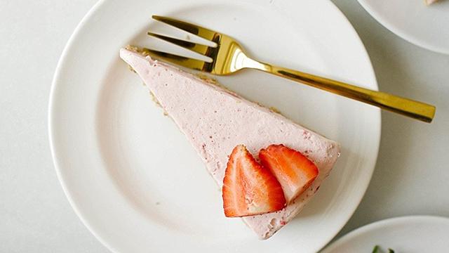 Recipe: Strawberry Icebox Pie