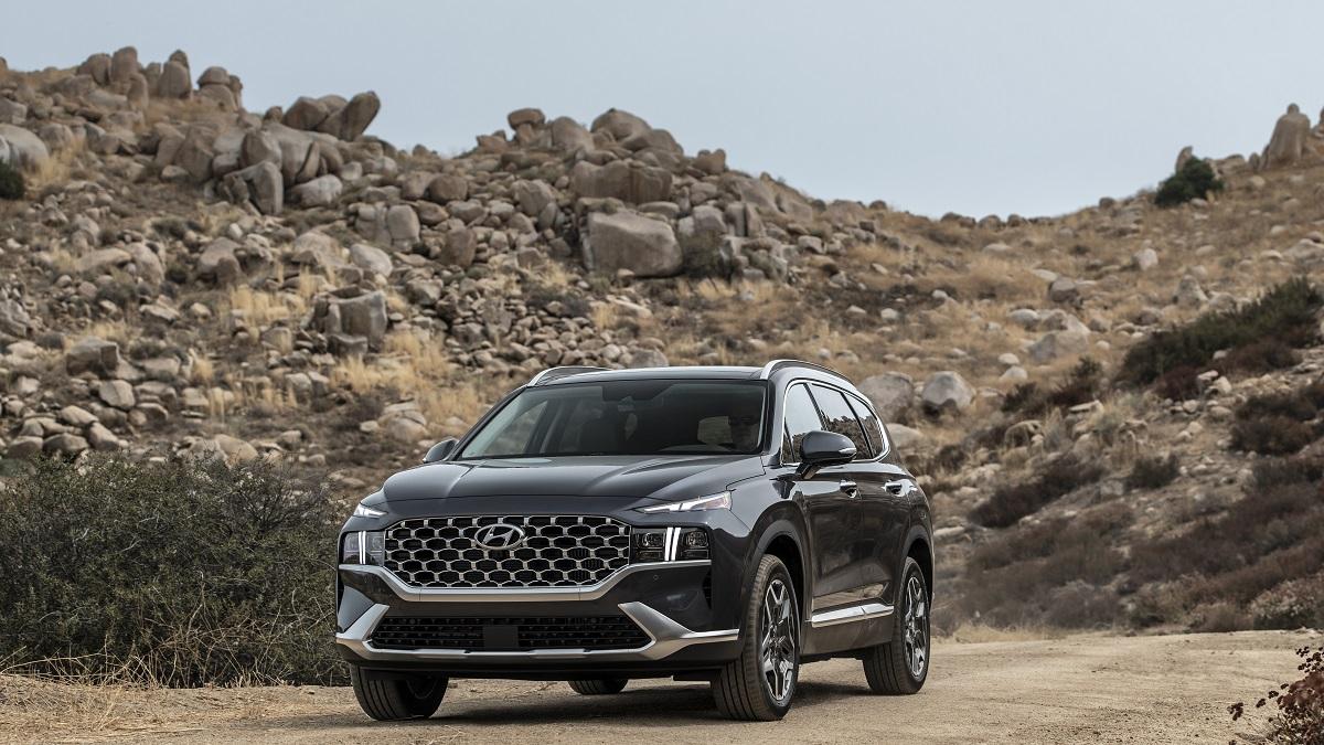 Hyundai reveals design, features of Alabama-built 2021 Santa Fe