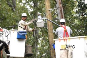 Alabama Power is on pace to have 80% of customers who lost power due to Hurricane Zeta restored by noon Sunday. (Wynter Byrd / Alabama NewsCenter)