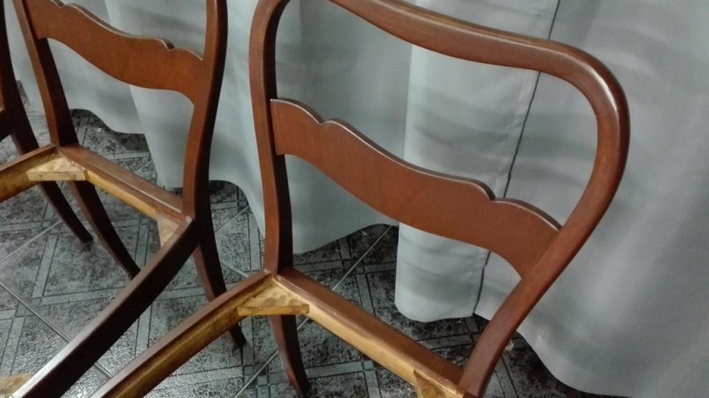 Bejcowanie drewna - renowacja krzeseł