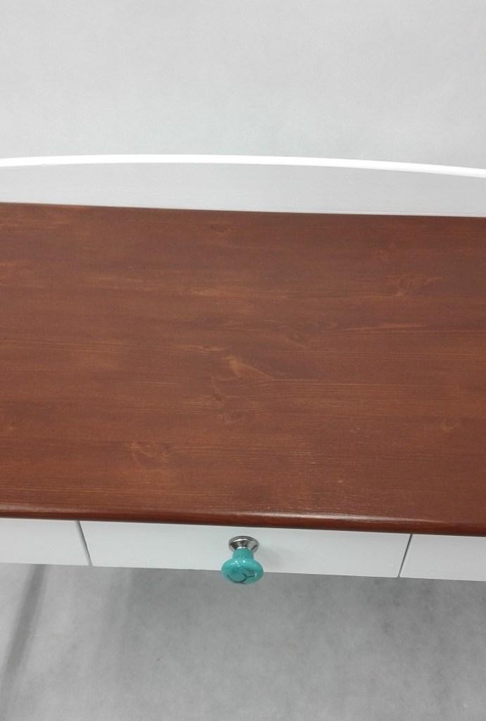 Blat sosnowy bejcowany na złoty dąb - bejcowanie drewnianego blatu