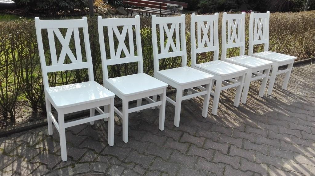 Malowanie krzeseł sosnowych na biało