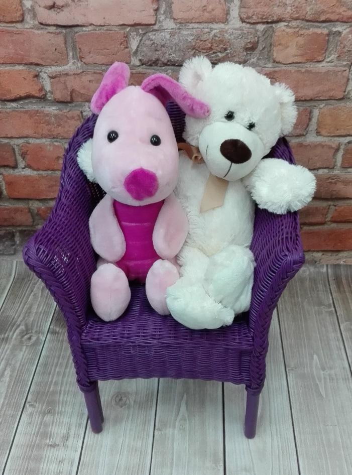 Wiklinowe krzesełko dziecięce fioletowe - jak pomalować meble wiklinowe?
