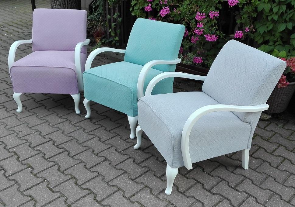 Kolorowe fotele art deco