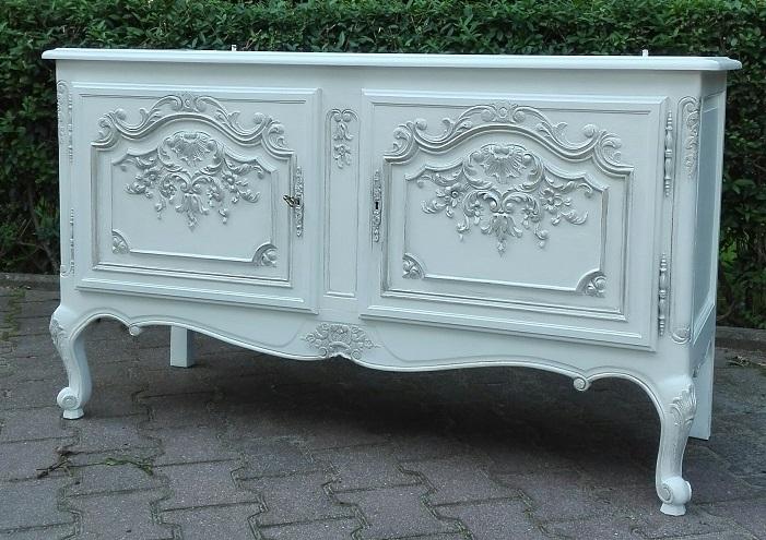 Kredens stylowy rzeźbiony malowany na biało