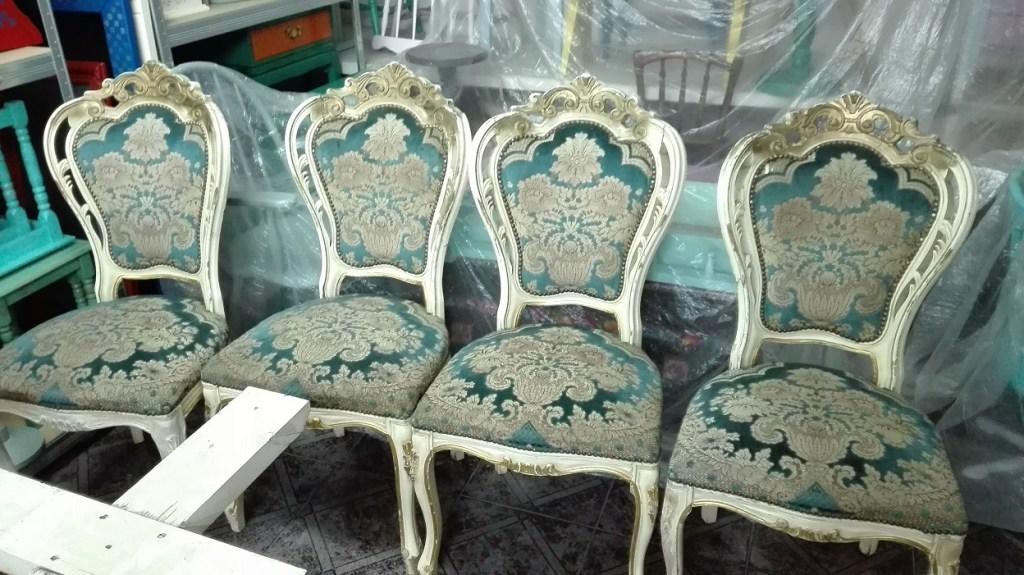 Krzesła ludwikowskie rzeźbione