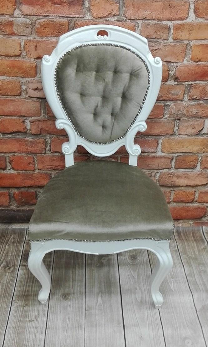 Stylowe krzesło po metamorfozie z pikowaniami