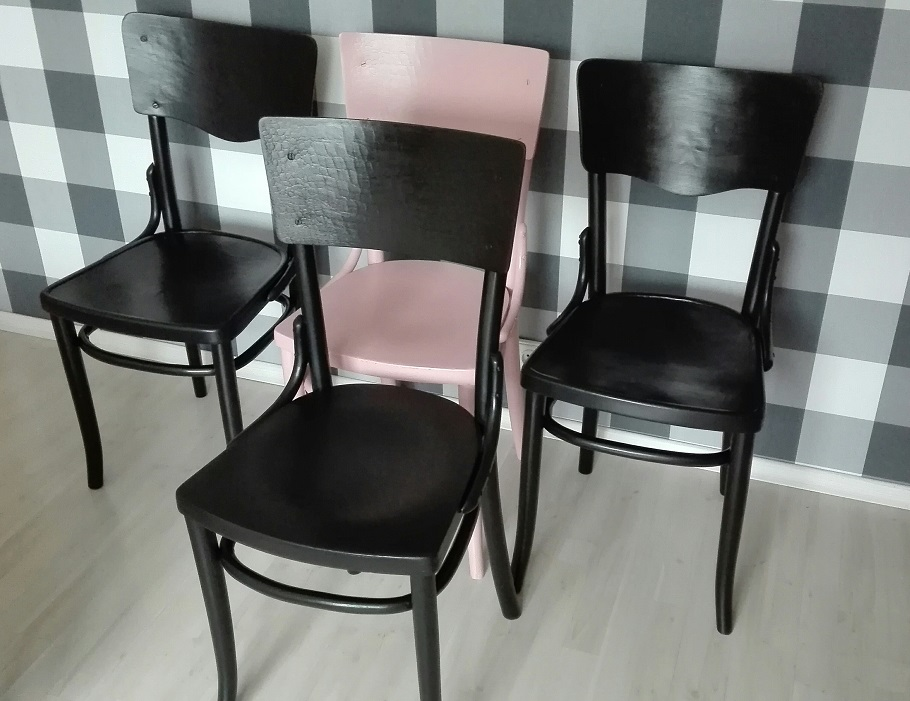 Malowanie krzeseł Thonet