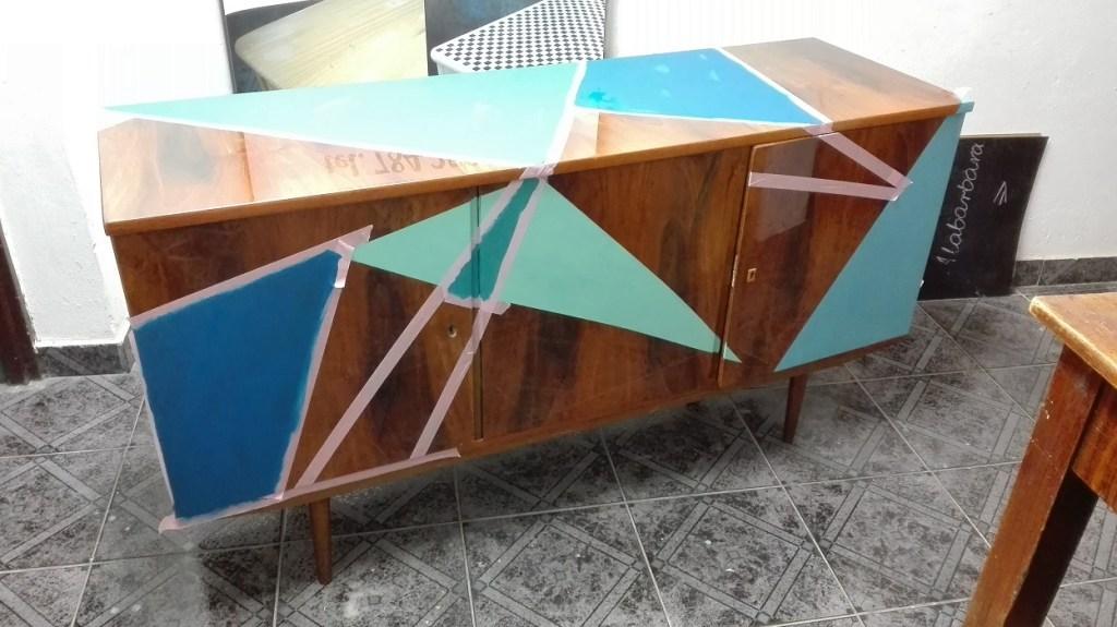 Malowanie mebli na wysoki połysk - wzory geometryczne