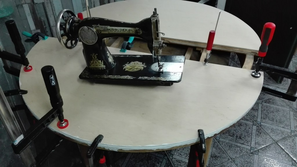 Renowacja blatu w stole