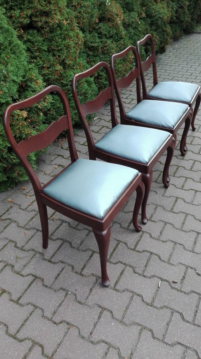 Stare krzesła po renowacji