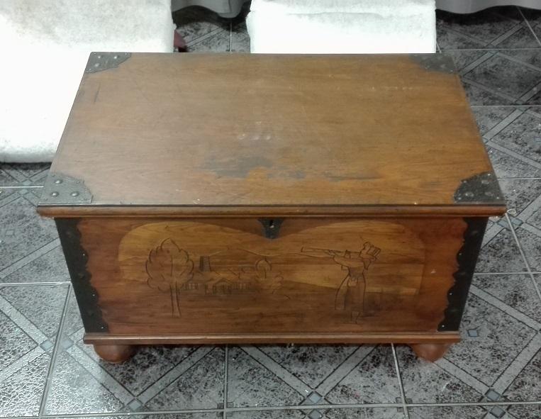 Stara skrzynia kufer drewniany rzeźbiony