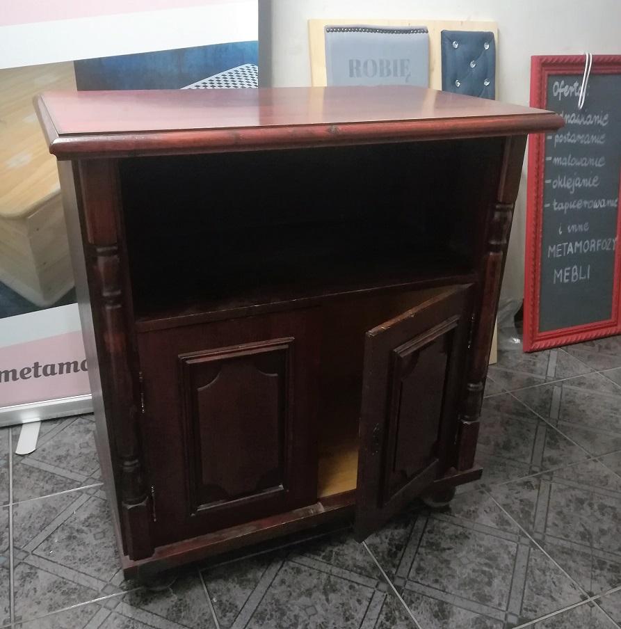 Stara szafka przed malowaniem