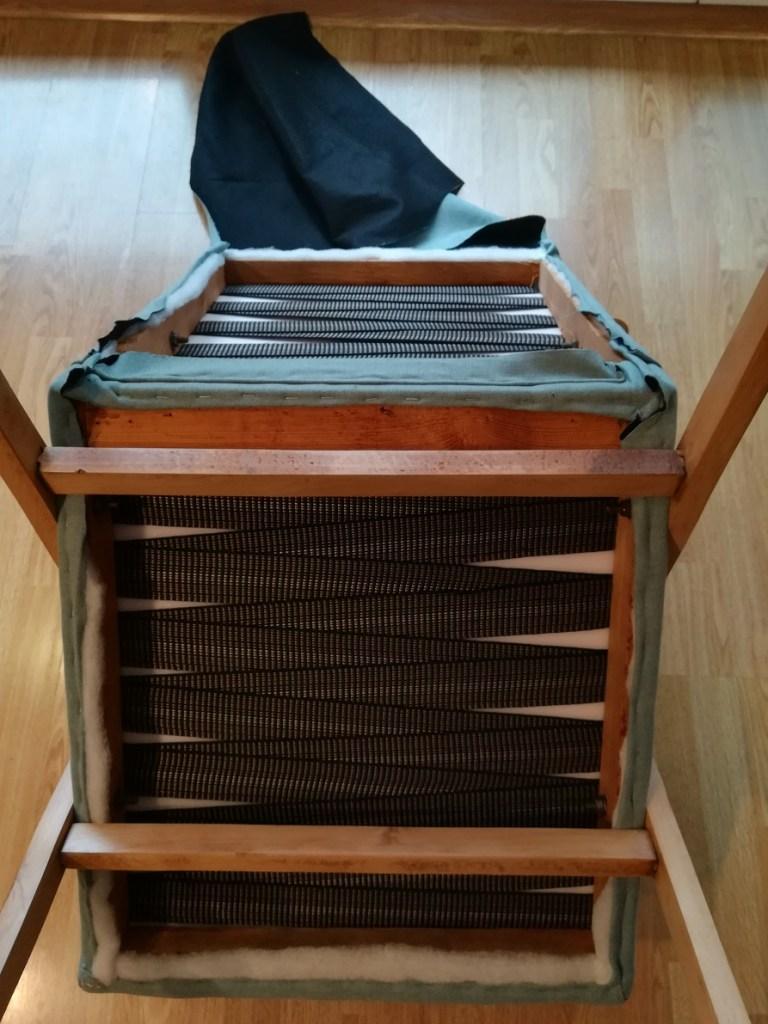 Jak wymienić tapicerkę w starym fotelu klubowym - PRL ?