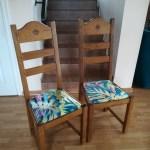 Dębowe krzesła z tapicerką urban jungle