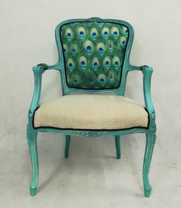 Krzesło turkusowe pawie pióra