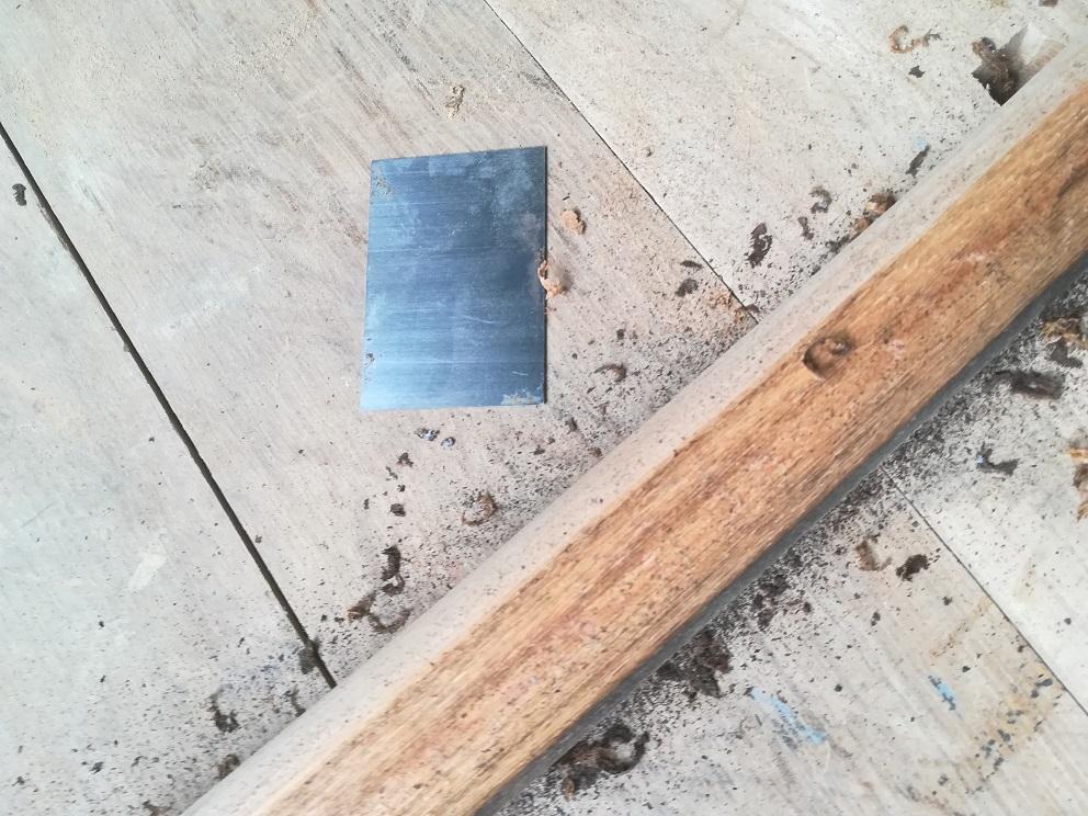 Oczyszczanie drewna cykliną