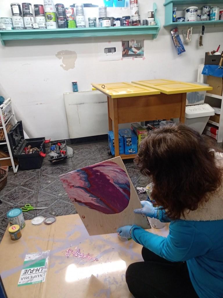 malowanie obrazu diy metodą pouringu