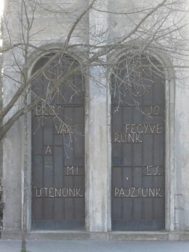 Pusztuló értékeink Vajda Péter u templom
