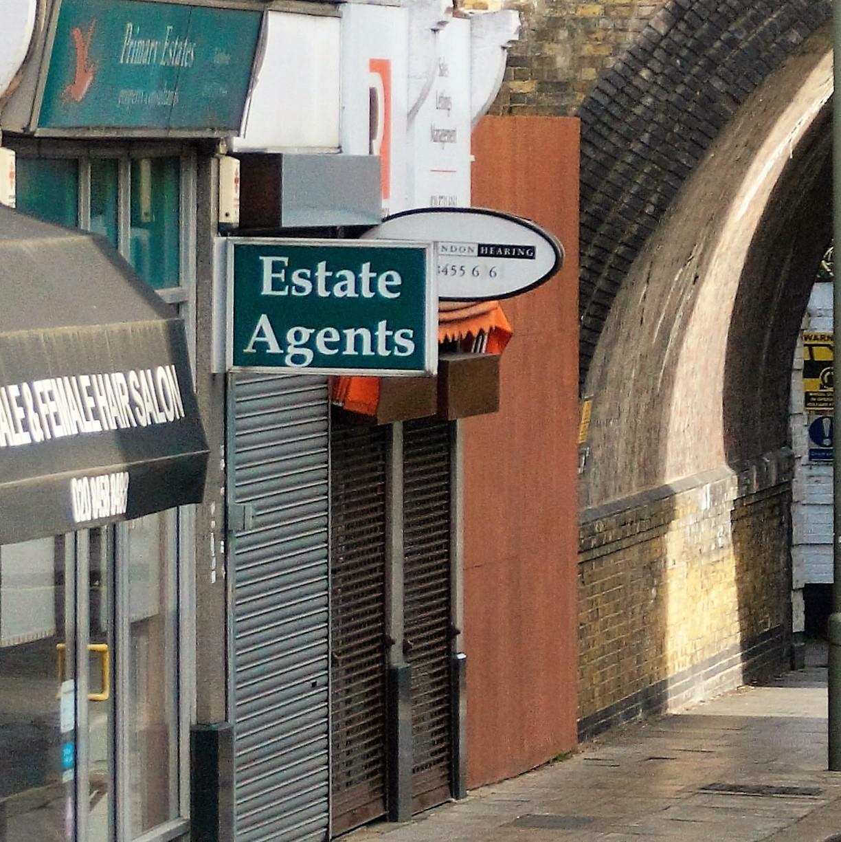 Az ingatlanközvetítők UBER-je vagy Waterloo-ja?