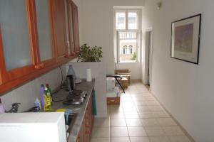 Lakásként/irodaként is bérbevehető 77 nm méretű belvárosi (5. kerületi) lakás kiadó 1000€ vagy 300.000 ft/hó áron