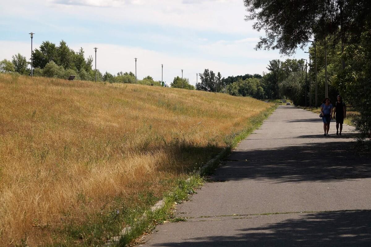 Királyok útja, Pünkösdfürdő, Kossuth Lajos üdülőpart