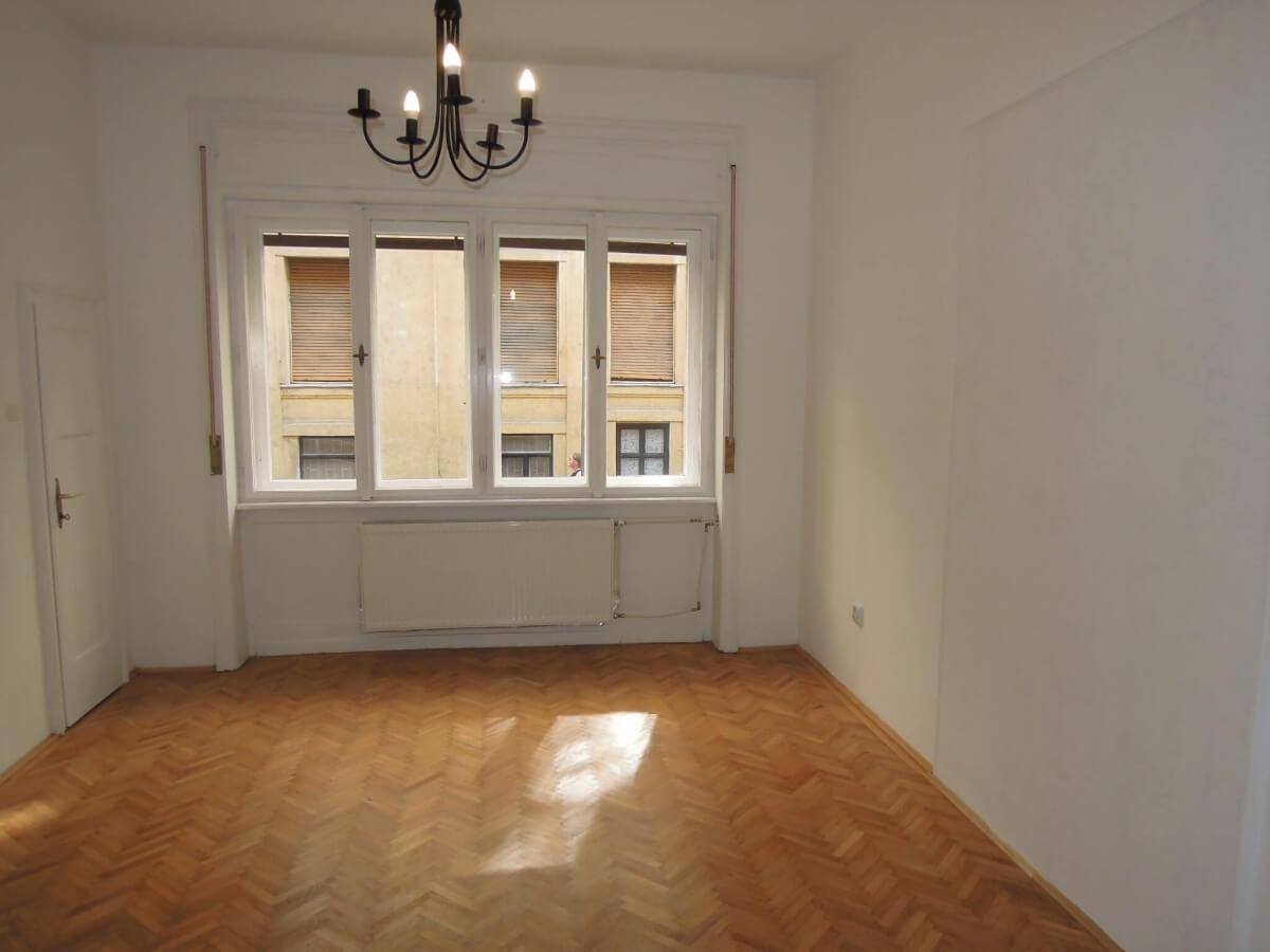 Eladó 75 nm-es lakás-Budapest VIII-Palotanegyed-http://alacsonyjutalek.hu/ - Megbízható, megfizethető, minőségi ingatlanközvetítő iroda-tel: 36-30-9843-962