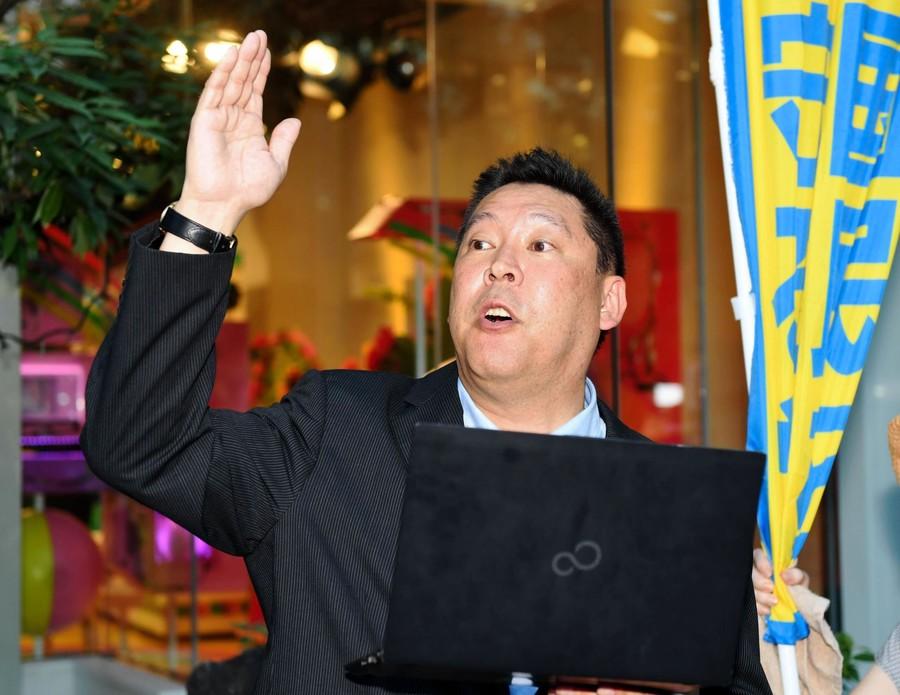 ヤフコメ!N国代表 給与明細ユーチューブで公開「1カ月で300万円」
