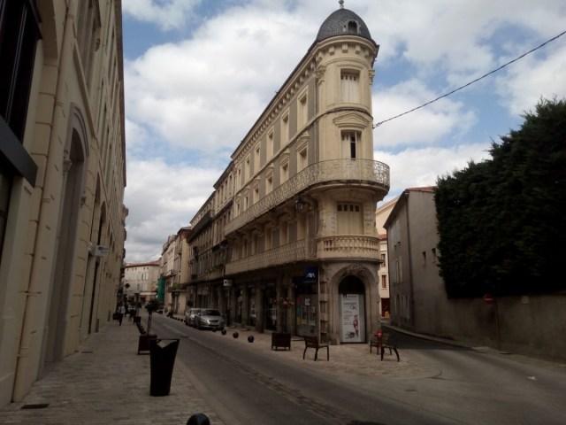 """Edificio """"curioso"""" en la Rue Gambetta"""