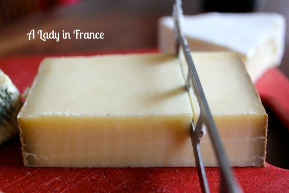 how to cut brie & other French cheese etiquette