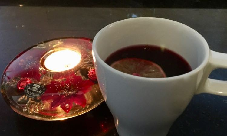 crockpot hot spiced alcohol-free wine