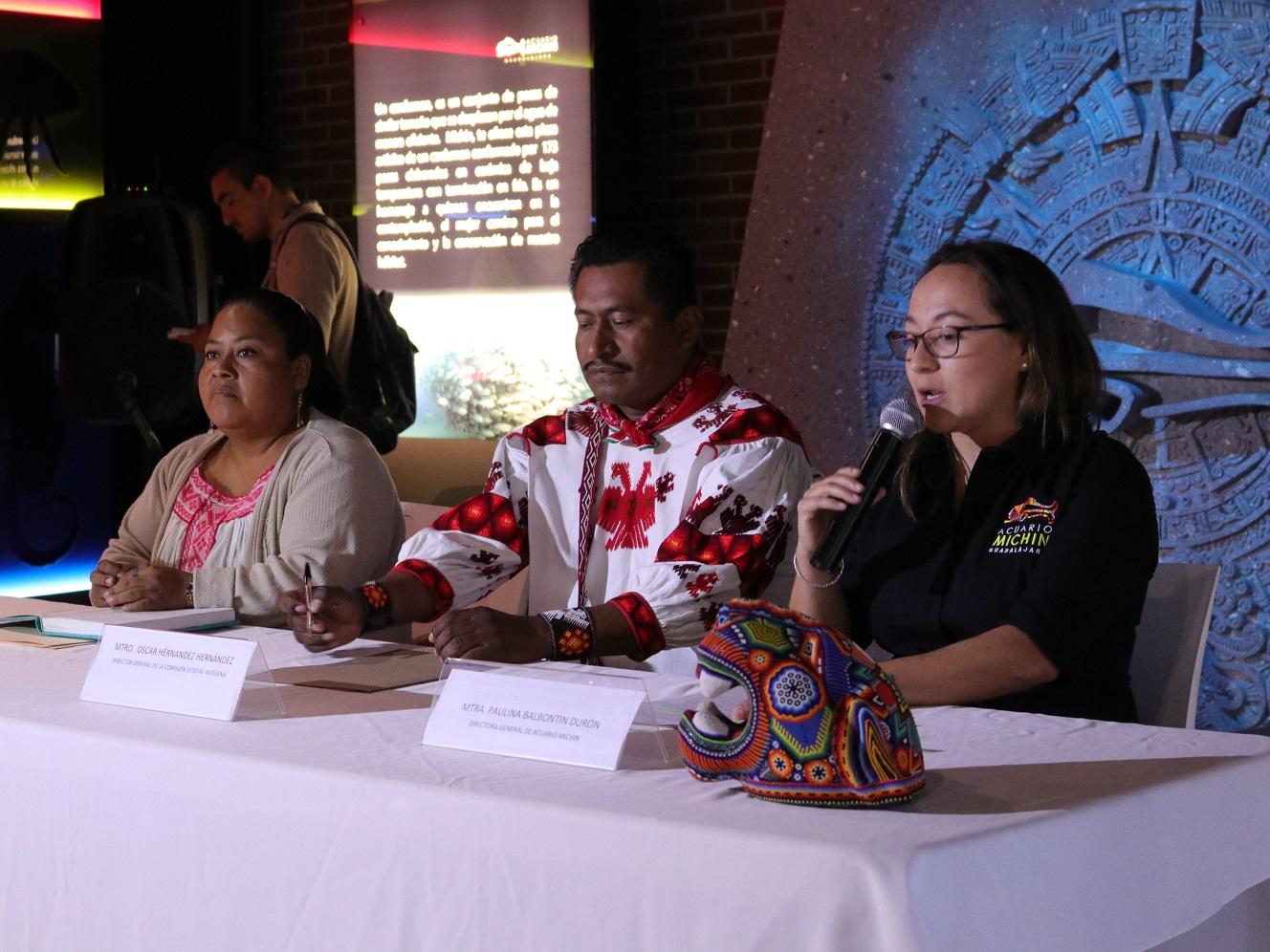 Acuario Michin Guadalajara y la Comisión Estatal Indígena firmaron convenio a favor de la educación y la cultura.