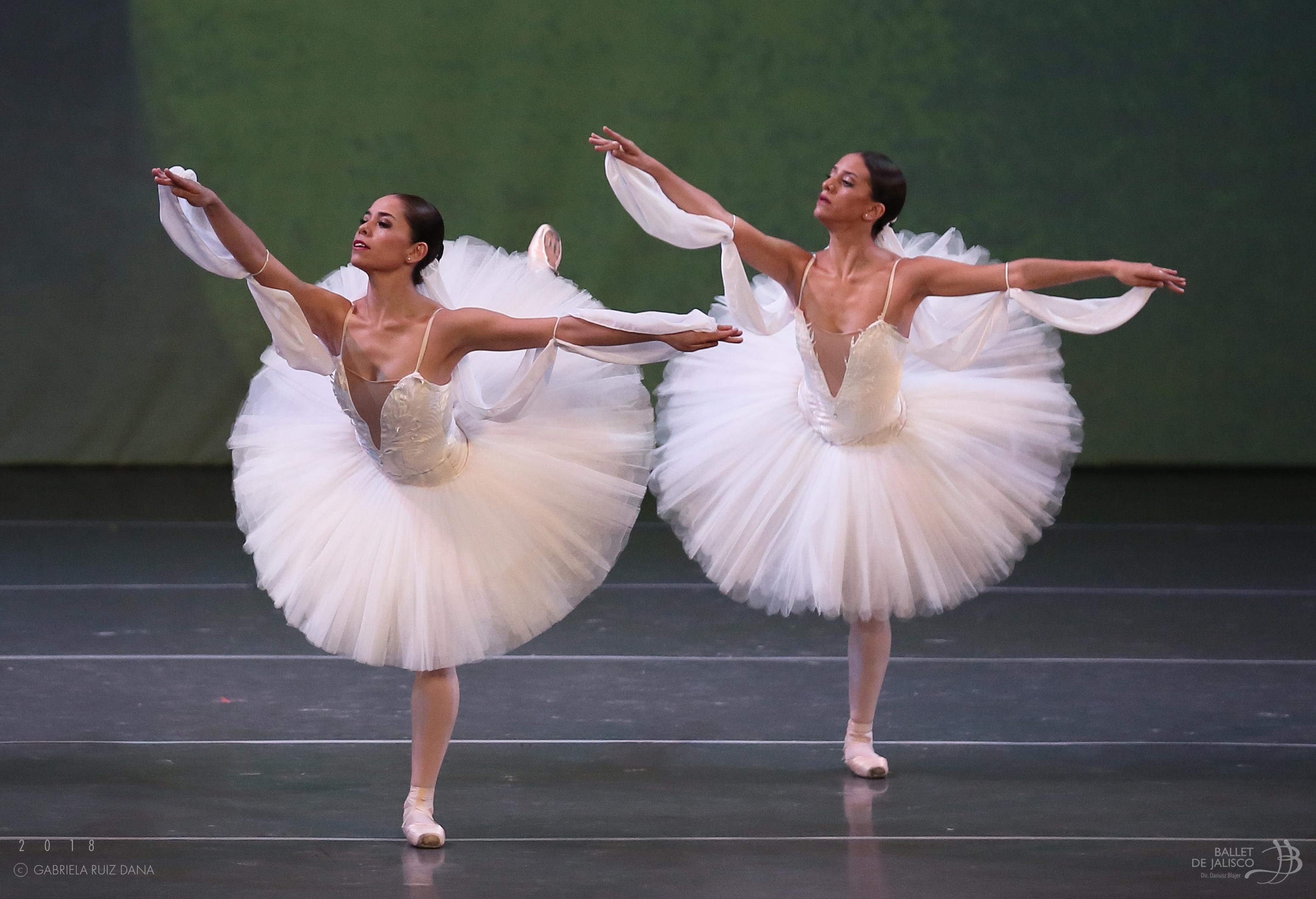 El Ballet de Jalisco celebra la danza en un Teatro Degollado lleno