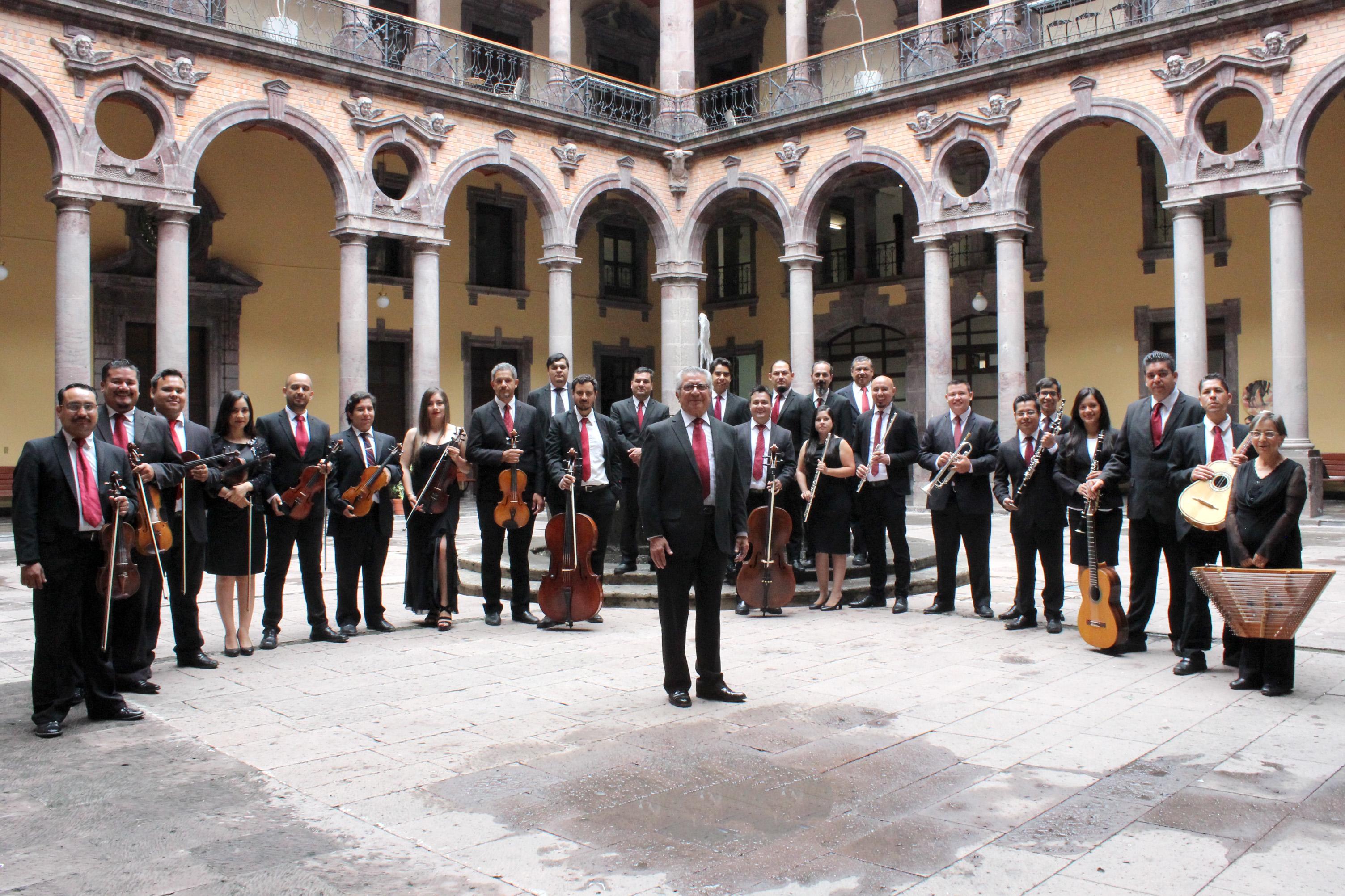 Celebra la Orquesta Típica 39 años desde su formación