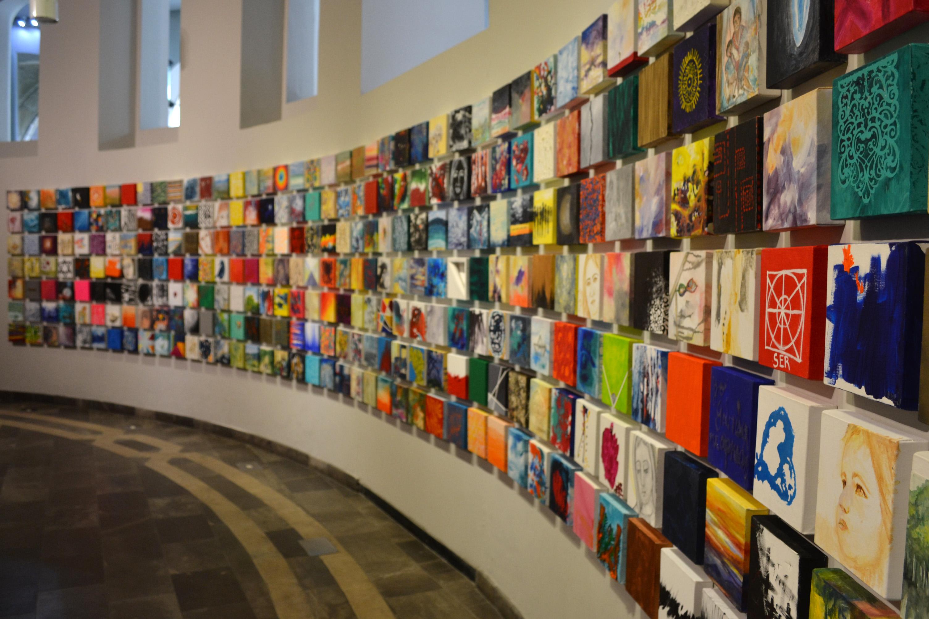 Presenta Gabriela Natera exposición retrospectiva en Palacio de Gobierno