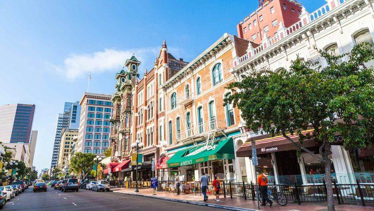 San Diego es culturas y épocas: colonial, mexicano, viejo oeste, inglés y vanguardia