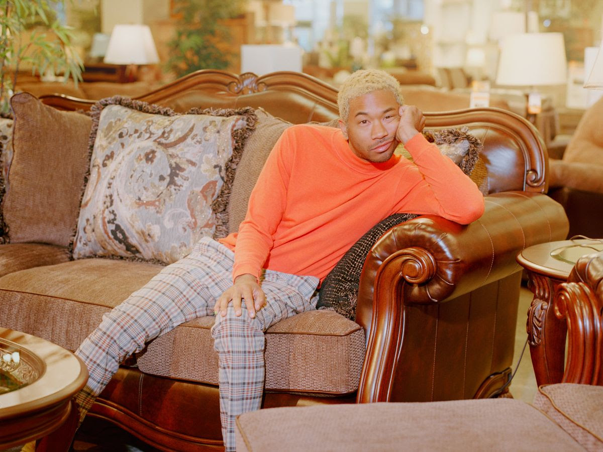 "Toro y Moi estrena ""Ordinary Pleasure"""