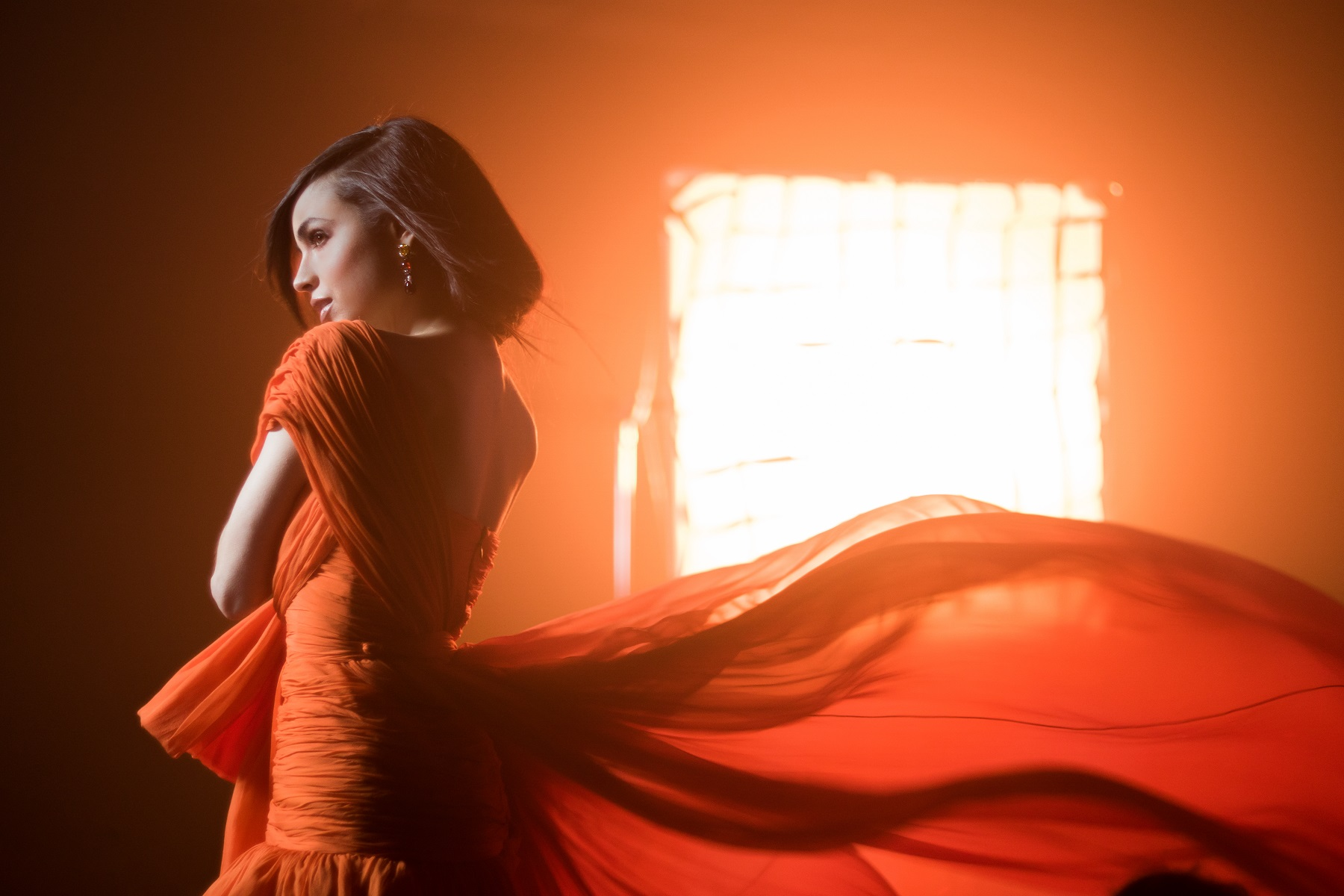 """Ya se encuentra disponible el video musical completo del tema """"Ciclo sin Fin"""" de El Rey León, interpretado por Sofía Carson"""