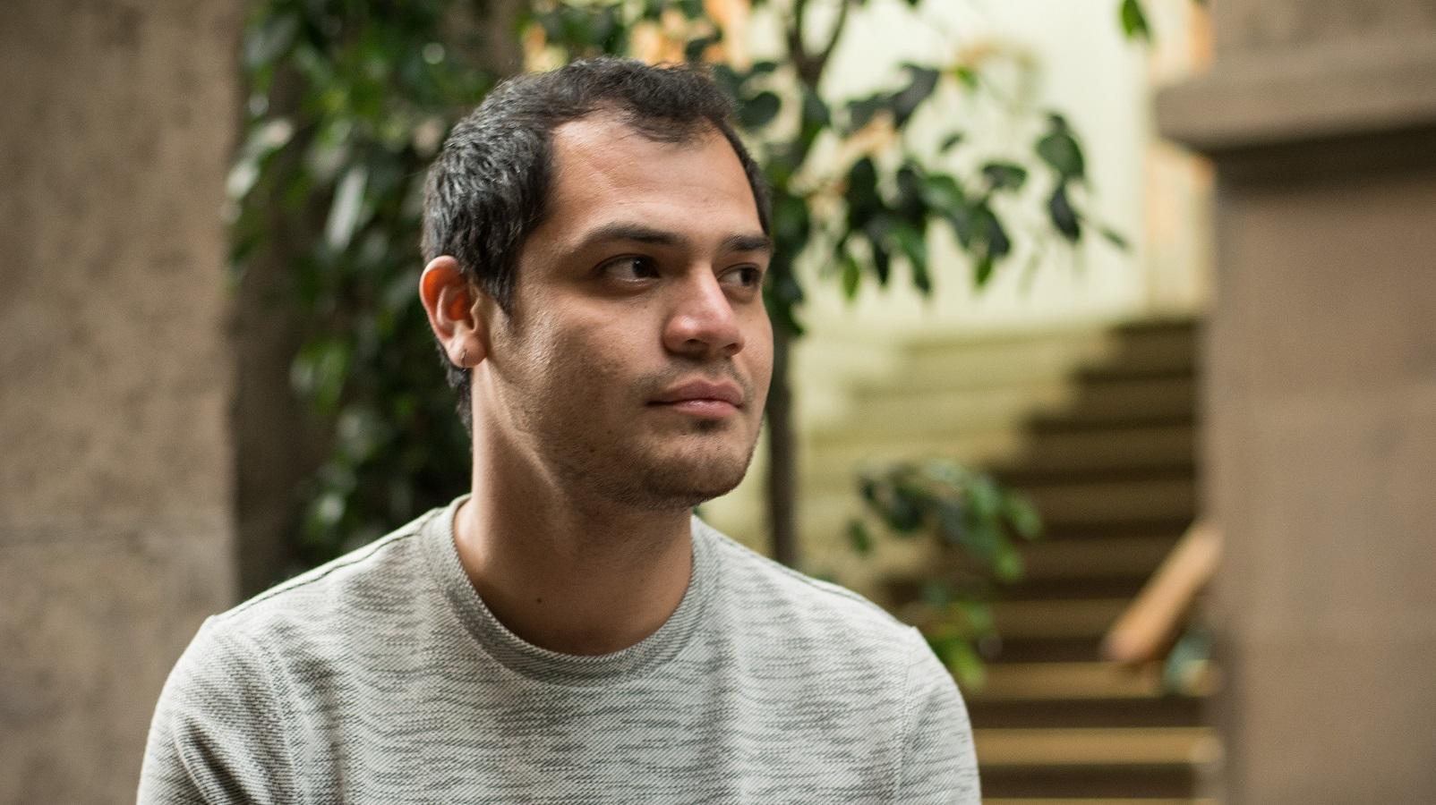 """Ángel Vargas es el ganador del Premio Nacional de Poesía Joven Elías Nandino 2019 por el libro """"Antibiótica"""""""